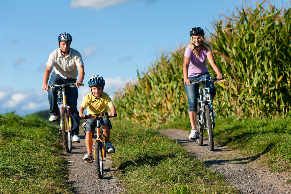 Direct Seguros - Paseo en bici con niños