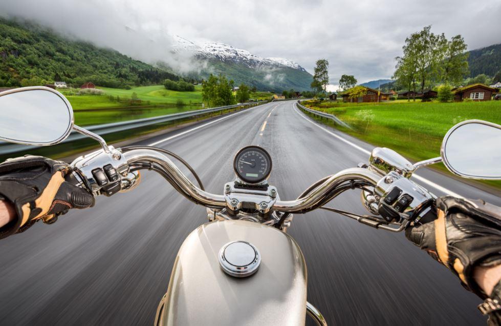 Rutas en moto: revisión moto antes de viajar