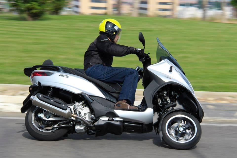 DGT distintivo ambiental para motos