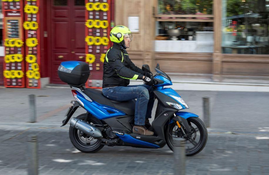 Marcas de motos más vendidas: modelos de Scooter favoritos en España