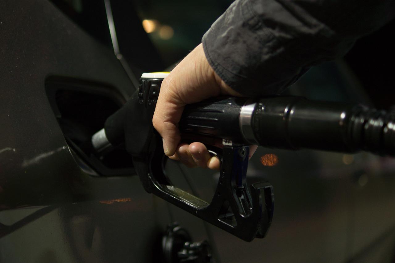 Emisiones de CO2 permitidas en coches: distintivos ambientales nueva norma