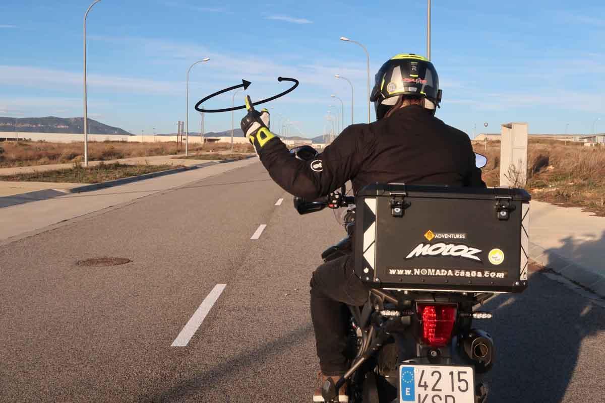 Maniobras en moto