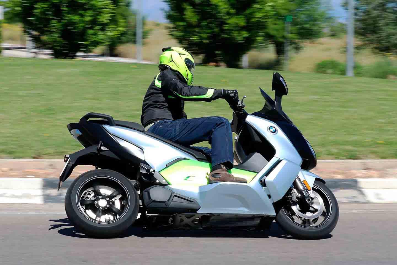 Etiquetas DGT para motos