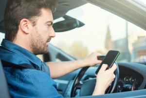 multa por conducir con el móvil
