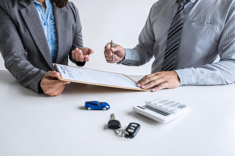 Cómo hacer un contrato compraventa de un coche
